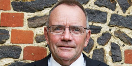 Lovatt first sight: Tax friends reunited after 25 years