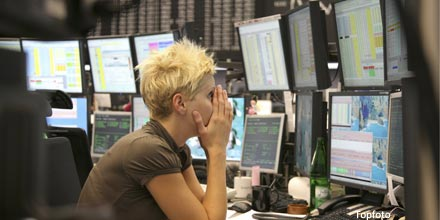 FTSE lifts from lows as US markets stage fightback
