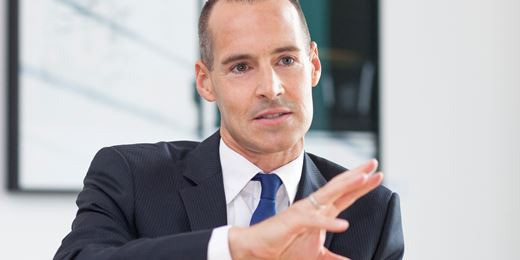 Historisch hoher Abschlag: Tim Albrecht stuft DAX auf Übergewichten hoch