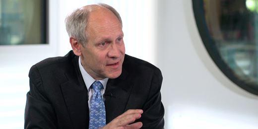 Hendrik Leber erklärt Positions-Reduzierung von IT-Werten und verdoppelt nahezu Healthcare-Werte
