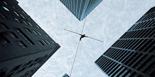 50 Economics Classics: Stabilising an Unstable Economy