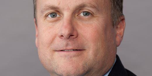 Don't follow the short duration crowd, says global bonds CIO