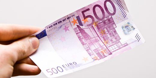 Prosecutors probe €500 bills flushed down UBS toilet