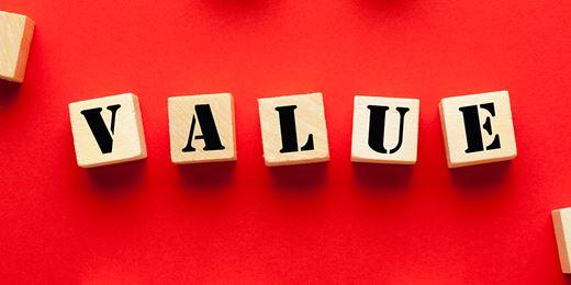 Do fund selectors still see value in value?