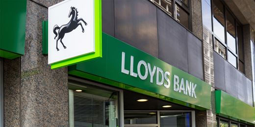 Lloyds announces divi hike and share buybacks as profits rise 24%