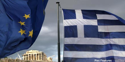 If Greece defaults, how can bond investors dampen fallout?