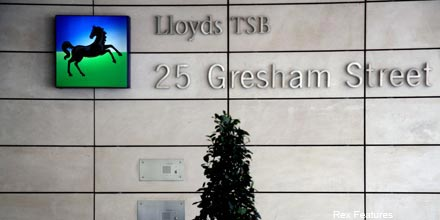 Lloyds in talks to ditch £1bn toxic asset portfolio