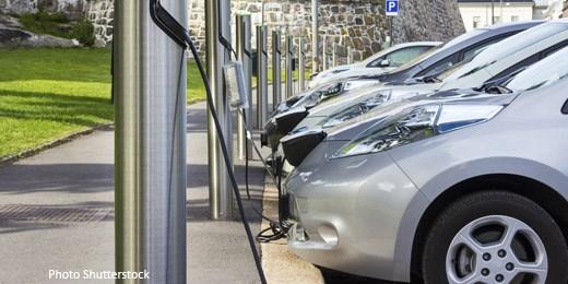 Schroders Klima-Experte zweifelt an Daimler-Investition in Batteriefabrik