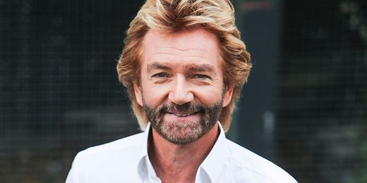 'Jail or no jail': Noel Edmonds gatecrashes Lloyds AGM