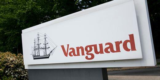 Vanguard taps rivals Citi and Sura to build Mexico team