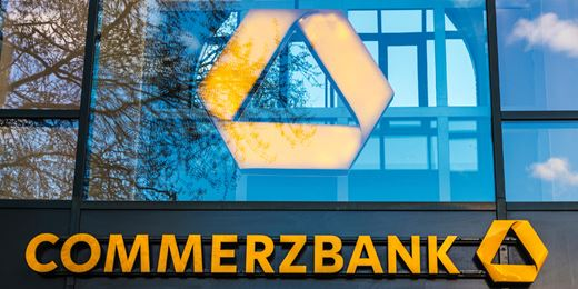Commerzbank baut Vorstand nach zwei Abgängen um
