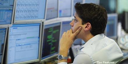 FTSE wobbles as RSA Insurance falls on downgrade