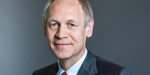 ACATIS startet eigene KVG und zieht fast €4 Milliarden von Universal-Investment ab