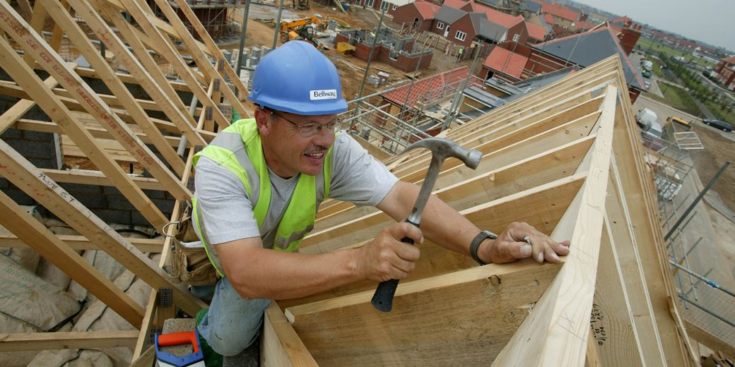 Bumper yields and UK bets draw fund managers to house builders