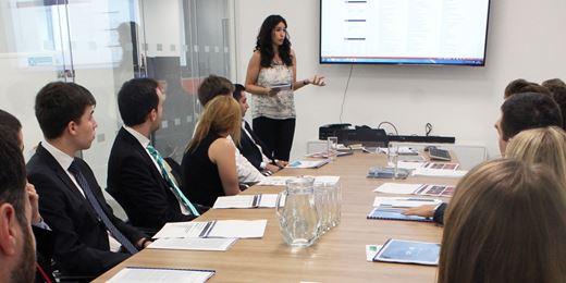 Alumnos de la Escuela de Finanzas IEF de Barcelona visitan nuestras oficinas en Londres