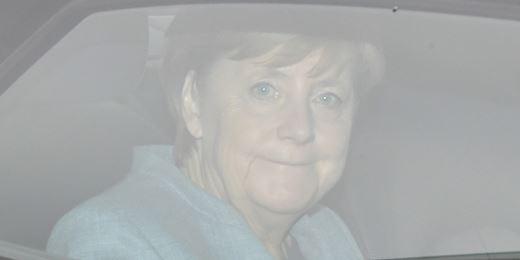 Investors brush off German government worries