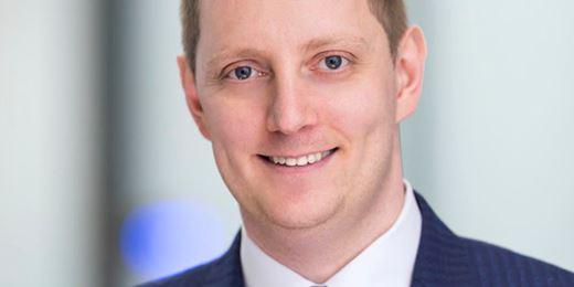 AAA-Star Konstantin Leidman stellt Milliardenfonds defensiv auf und erhöht Kasse