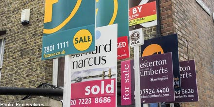 Foxtons tumbles on warning of property market slowdown